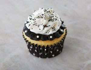 Black and White Polka Dot Cupcakes