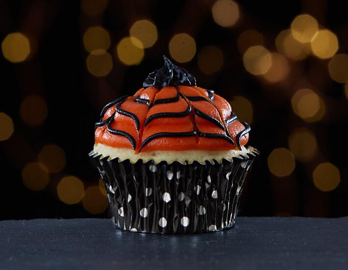 cake-mate-spider-web-cupcakes-orange-black-icing-home