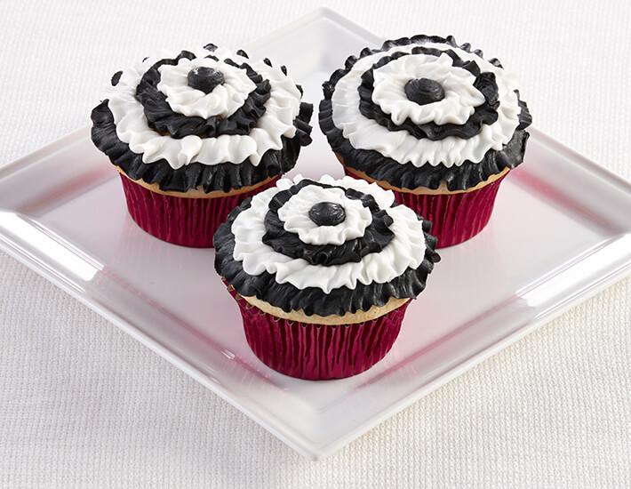 black-and-white-ruffled-cupcakes-cake-mate-dessert-decorating-home