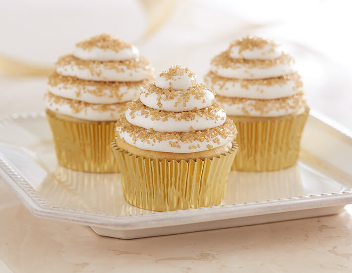 gorgeous-golden-cupcakes-holiday-dessert-cake-mate-home