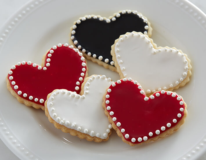 pearl-sweetest-heart-cookies-cake-mate-valentines-day-home
