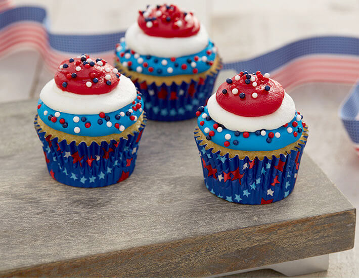 red-white-and-blue-cupcakes-home